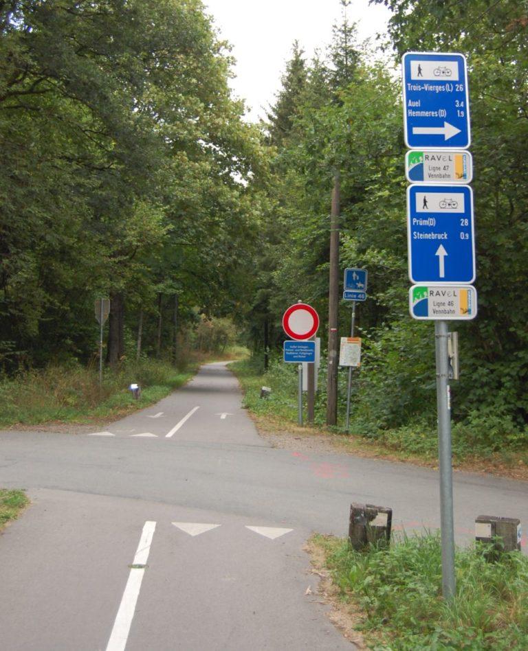 Signposted VennBahn - Ravel - Vélo Routes near LEVEL600 B&B